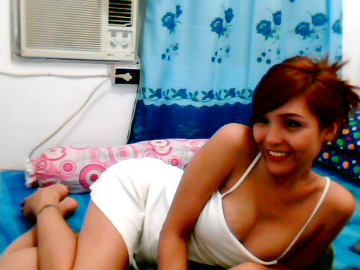 1351168519 Cute curvy #Asian women expsoing her hot pink cunt for us asiangirlslive.net and asiancamslive.com